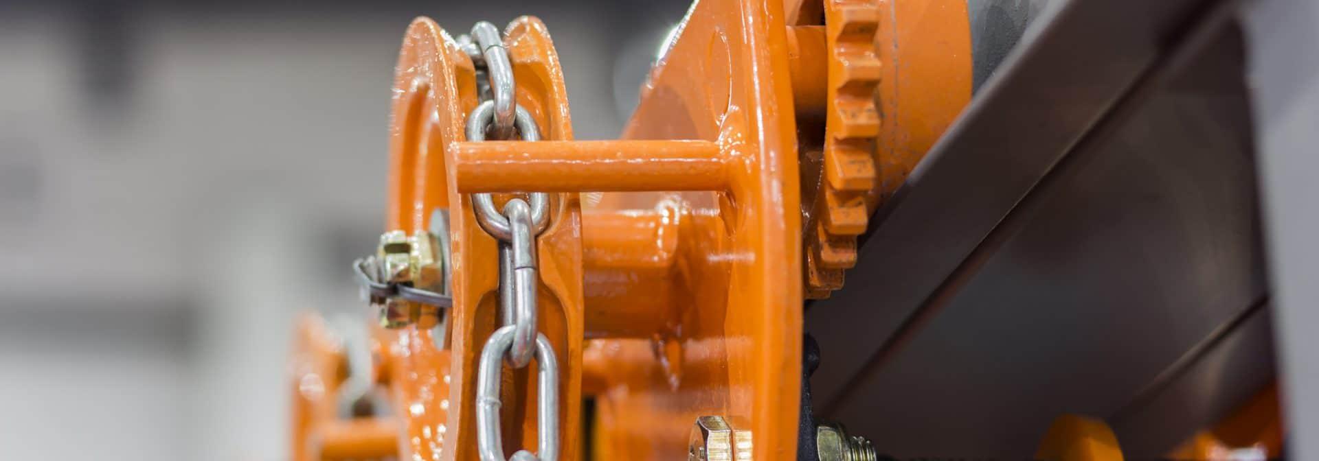 ELCEE | Industrial Steel Chains in orange hoists